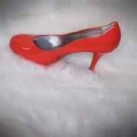 Tahari Women's High heel